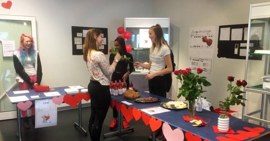 Alla hjärtans firande med HA14, med smått och gott, rosor och glädje